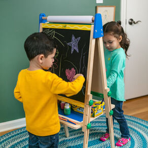 Art Kits & Easels