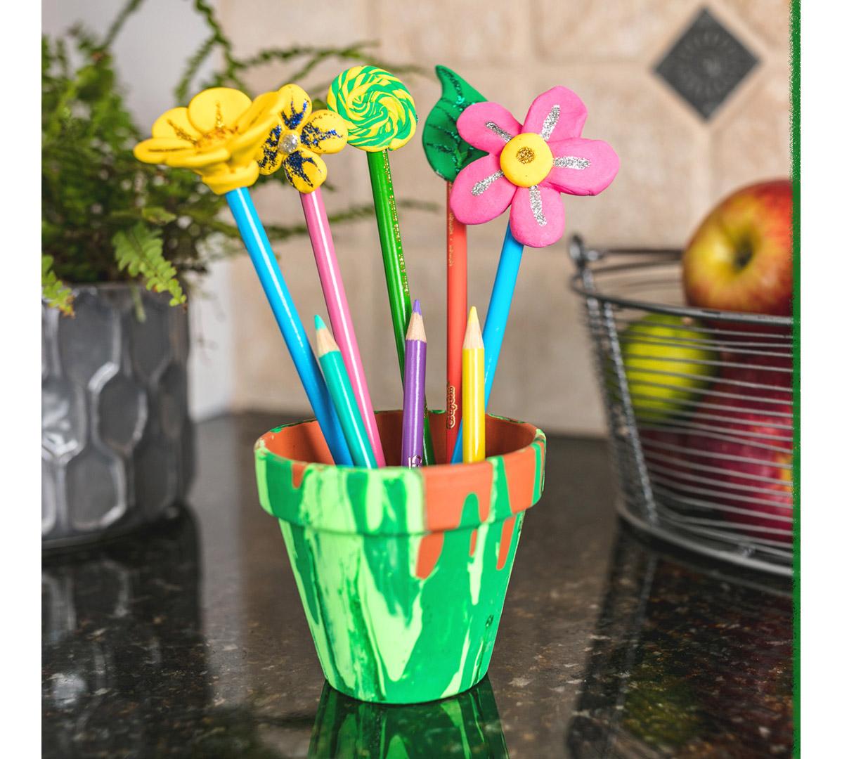 Diy Flower Pencil Toppers Craft Kit Crayola Com Crayola